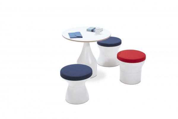 poefjes en tafel